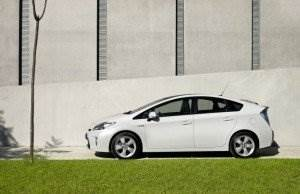 Toyota-Prius-weiss