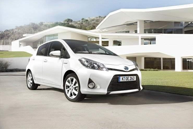 Yaris-Hybrid-2012-deutschland