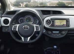 Yaris-Hybrid-Cockpit