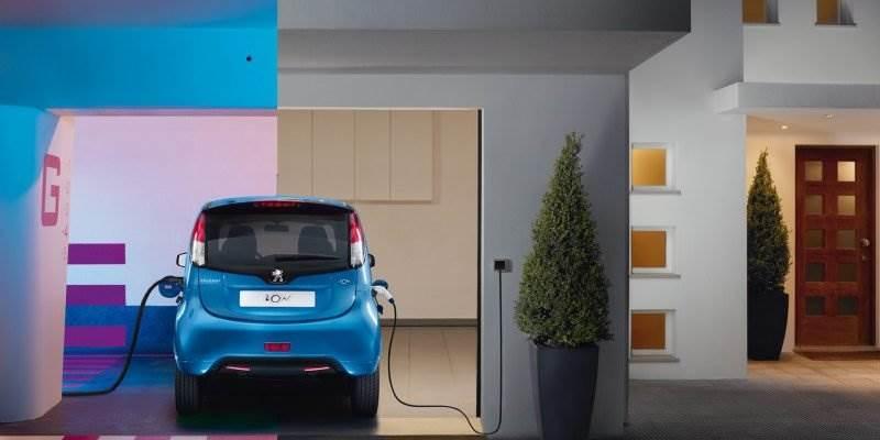 elektroauto elektroautos hybridautos und elektromobilit t. Black Bedroom Furniture Sets. Home Design Ideas