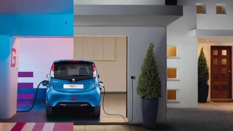 Peugeot i0n erhält mit dem Modelljahr 2018 ein Update ...