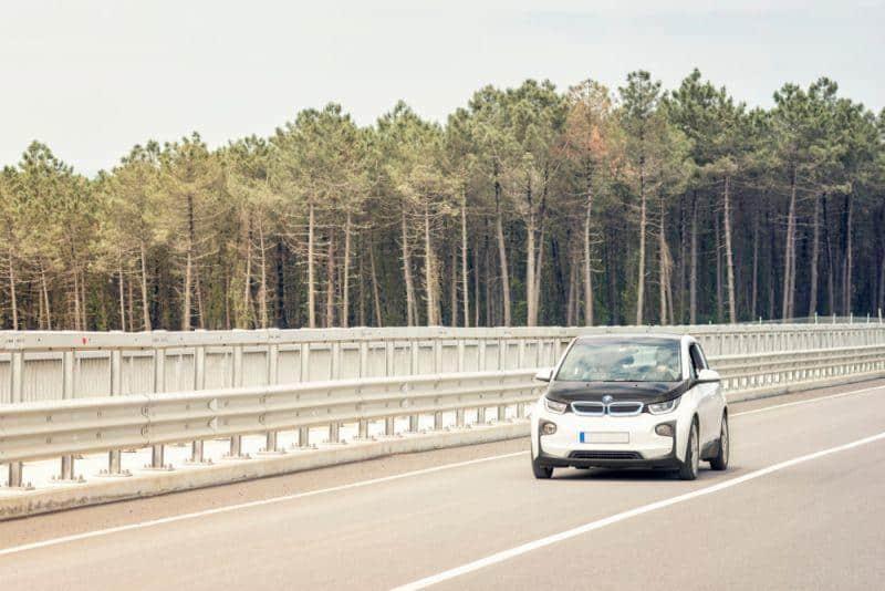 BMW verkauft über 50.000 E-Fahrzeuge