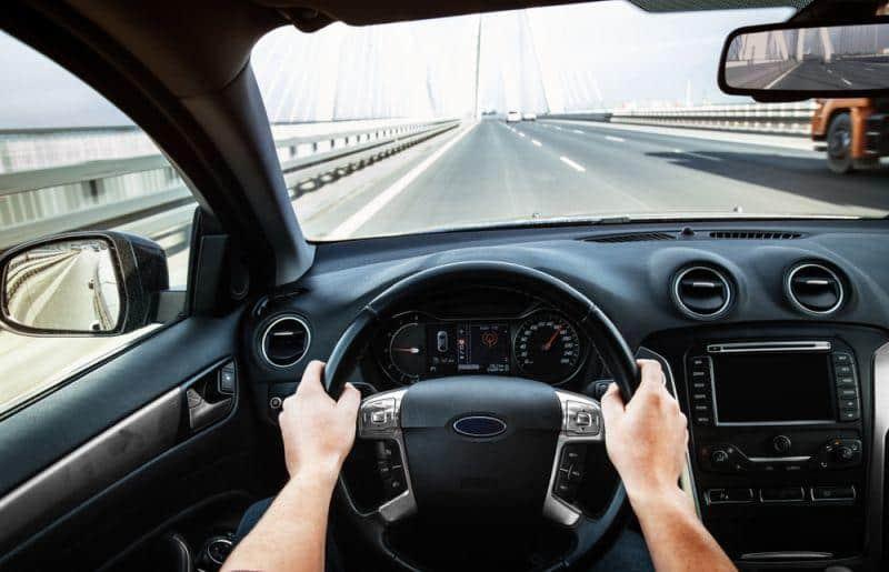 Autofahrer bei neuen Technologien ängstlich