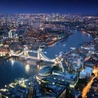 Großbritannien verpflichtet zu Ladestationen an Tankstellen
