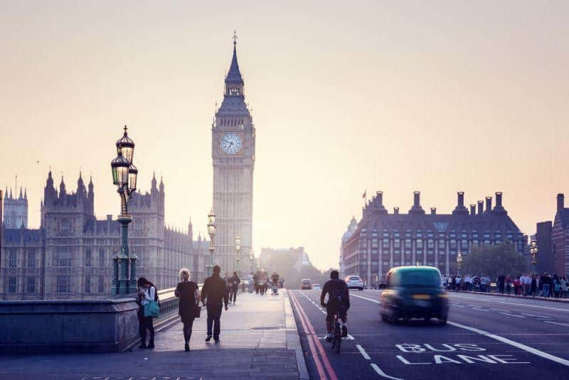 ubitricity testet E-Ladesäule-Lampen in London