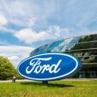 Ford investiert in Alternative Antriebe