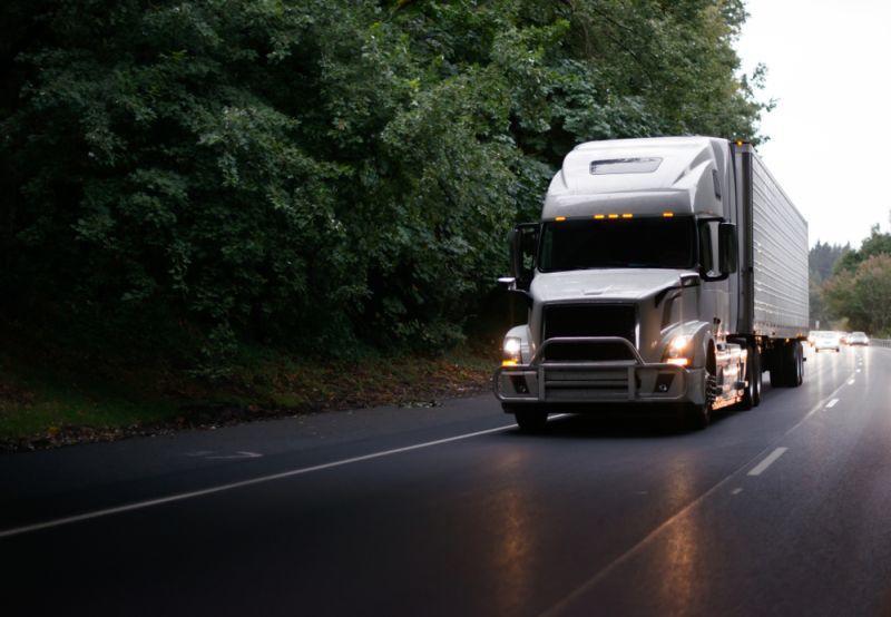 Volvo E-LKW soll auf die Straße kommen
