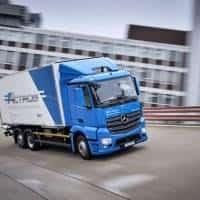 eActros von Mercedes-Benz nimmt Fahrt auf...