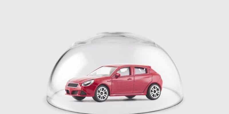 Versicherungstarife für E-Autos sinken seit 2014