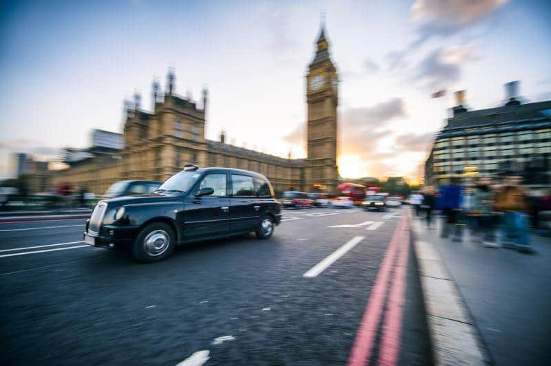 London Black Cab im Review von Fully Charged