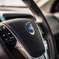 Volvo Trucks teilt Batterietechnik im Konzern