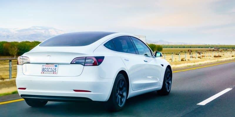 Tesla schließt Lieferabkommen für Lithium