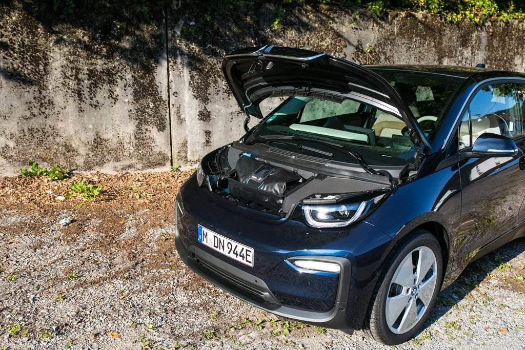 bmw i3 2 generation test und fahrbericht review. Black Bedroom Furniture Sets. Home Design Ideas