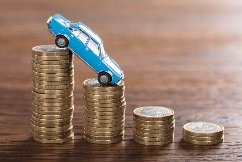 Fallende Batteriepreise kommen nicht bei Autokäufer an