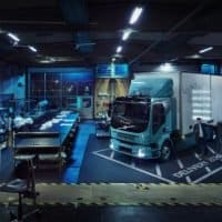 Volvo FL Electric in der Garage