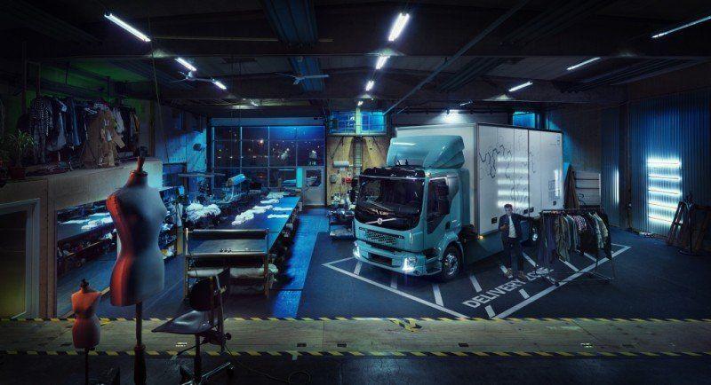 Volvo FL Electric in der Garage