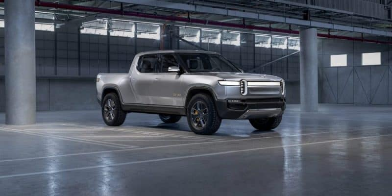 Rivian E-Pickup-Truck in Lagerhalle