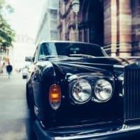 Chinesische E-Automarke krallt sich Rolls-Royce Designer