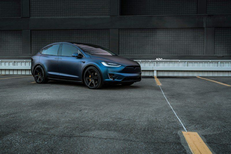 Modifizierter Tesla Modell X P100D Dunkelblau Matt Metallic und ADV.1 Rädern (2)