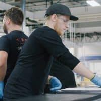 Einblick in Tesla Produktion