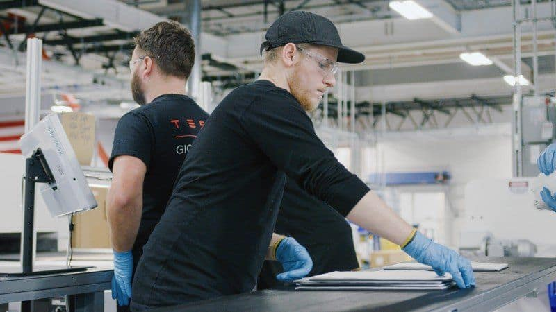 Einblick in Tesla Produktion