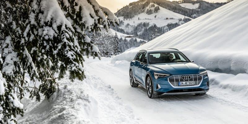 Audi e-tron im Schnee unterwegs