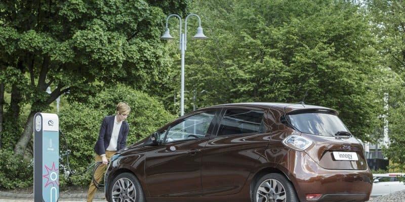 innogy Ladesäule und Renault ZOE