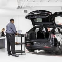 Tesla strebt Ausbau des Service an