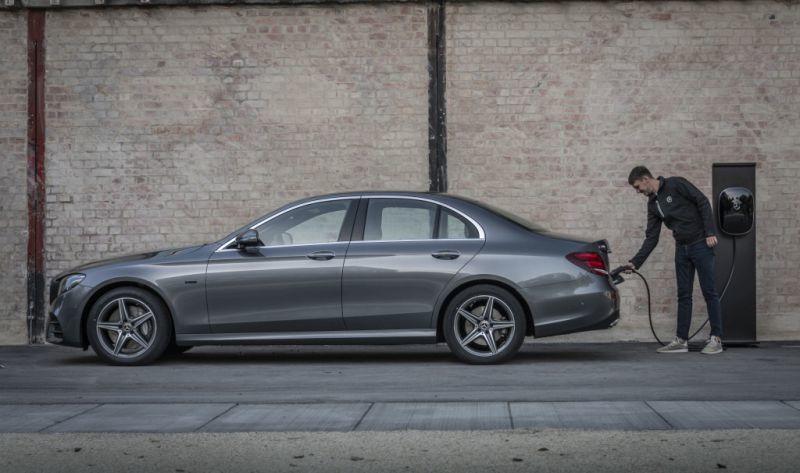 Mercedes-Benz E 300 e Limousine PHEV