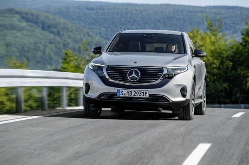 Mercedes-Benz EQC nimmt Fahrt auf