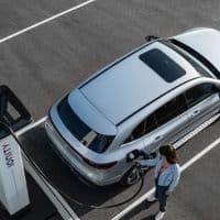 Mercedes-Benz EQC 400 an IONITY Schnellladestation