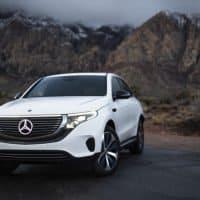 Mercedes-Benz EQC in der Wüste