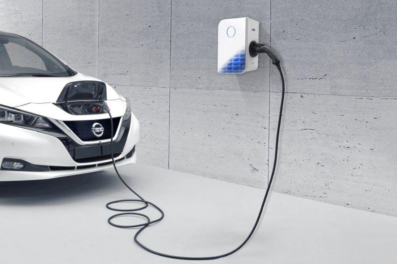Nissan E.ON Wallbox 22-kW-Ladeleistung, 3 Jahre Garantie im All-in-One-Angebot 1.865 Euro