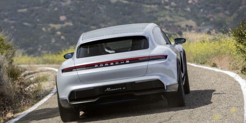 Porsche Taycan Cross Turismo Heckansicht