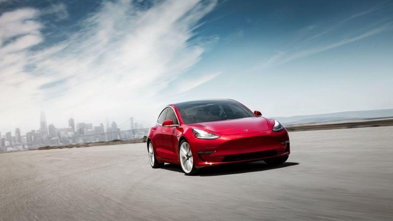 Tesla Model 3 in Rot - Frontansicht
