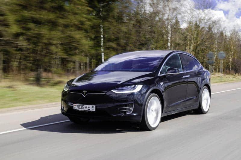 Tesla Model X schlägt I-PACE und Audi e-tron