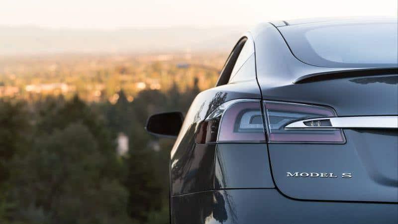 Elektroautos Tesla Model S Heckansicht