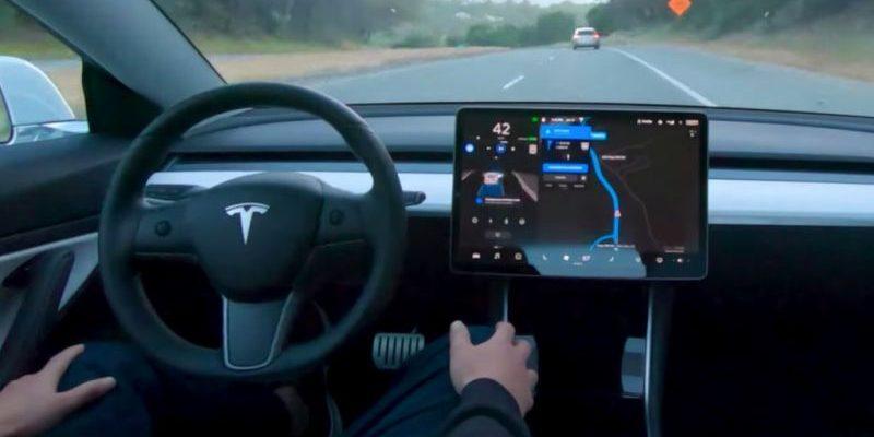 Tesla Autopilot bekommt ein Update spendiert