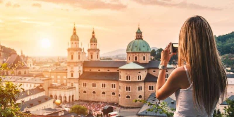 Schweizer und Österreicher Post verpflichten sich auf E-Auto Einsatz