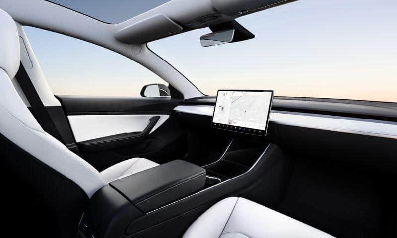 Tesla Model 3 ohne Lenkrad