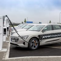 Audi e-tron soll Probleme mit Wasser haben, welches zum Brand führen kann