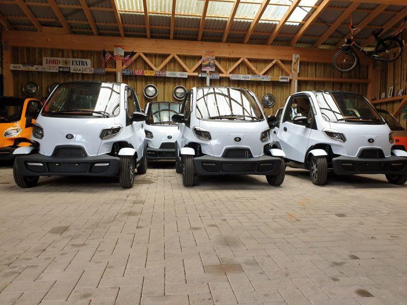 Linzda E-Autos aufgereiht