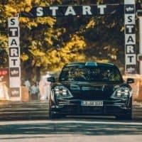 Porsche Taycan zu Gast beim Festival of Speed