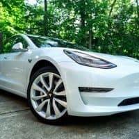 Tesla in puncto verbauter Batterie-Kapazität führend