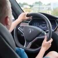 Kinder sollen demnächst Tesla fahren