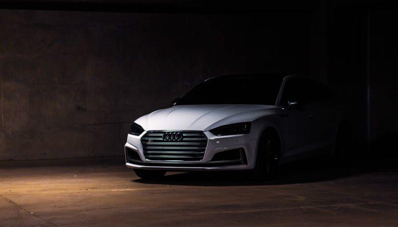 Audi S5 mit Tesla Model S Motor