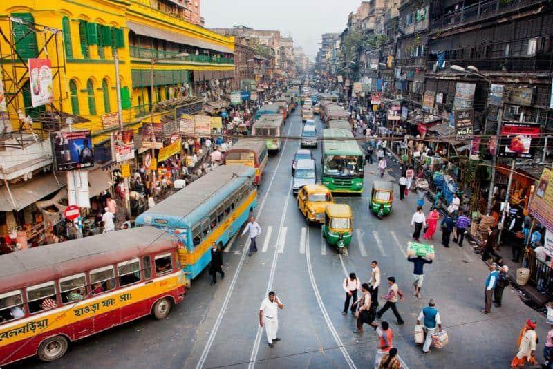 Indische Städte planen mehrere tausende E-Busse anzuschaffen