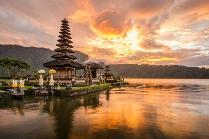 Indonesien bereitet sich auf den Bau von Batterie-Fabriken vor
