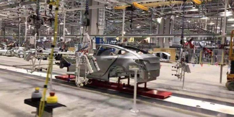 Tesla Gigafactory 3 fährt Produktion langsam an