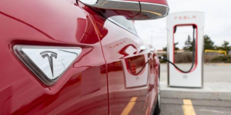 Tesla baut Service-Netz weiter aus